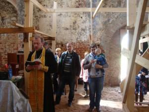 Освящение и установка креста. Пречистый бор. Май 2015 года.