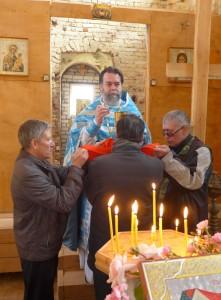 Причастие в храме Рождества Богородицы в Пречистом бору